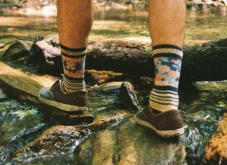 Tips-to-Follow-Before-Choosing-Hiking-Socks-on-FocusEverything